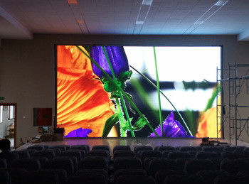 China 1920HZ Indoor Advertising Led Display Screen P4 Synchronization Control For Concert distributor